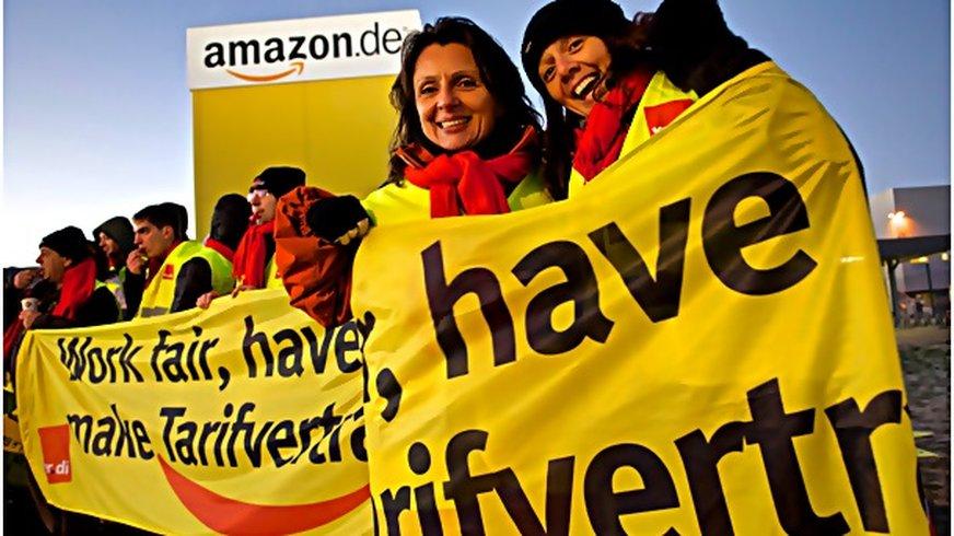 Gut gelaunte Streikende bei Amazon