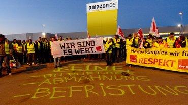 Streikende bei Amazon in Graben im September 2014