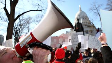 Tarif Verhandlung Streik Arbeitskampf Mikrofon