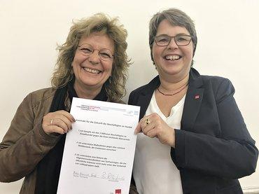 Beate Müller-Gemmeke ist in der Bundestagsfraktion Bündnis 90/Die Grünen Sprecherin für ArbeitnehmerInnenrechte und nun Verbündete für allgemeinverbindliche Tarifverträge im Handel.