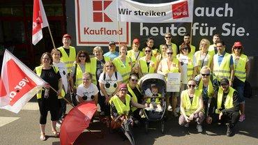 Beschäftigte bei Kaufland in der Rhein-Neckar-Region beim Streik (01.06.2019)