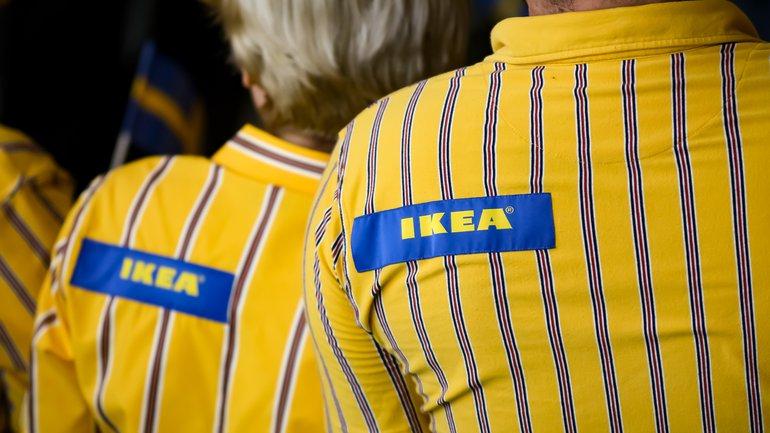 IKEA Beschäftigte Uniform Arbeitsplatz Handel Kollegen