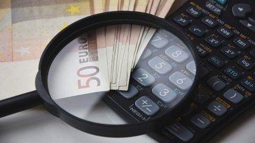 Geld Vergleich Lupe Analyse Vergleich Taschenrechner