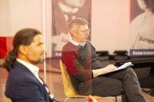 Orhan Akman und Stefan Huth während der Diskussion