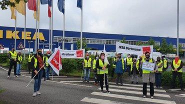 Streikposten vor Ikea in Dortmund am 20. Mai 2021