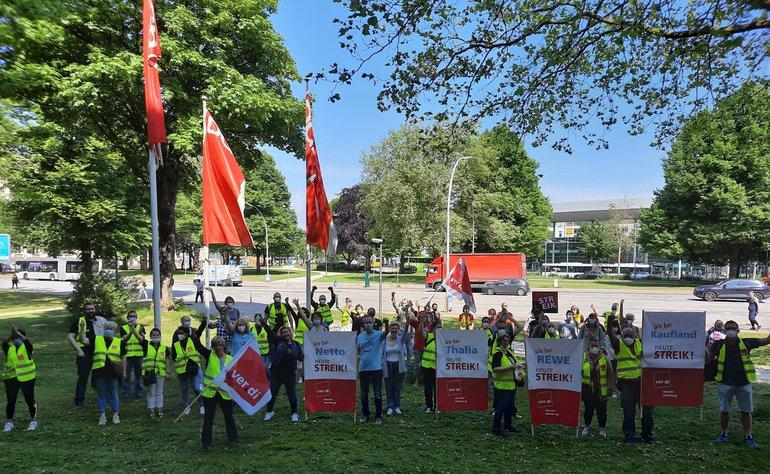 Streikende am 11. Juni 2021 in Hamburg