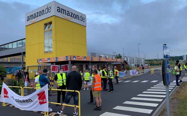 Streikposten vor Amazon in Koblenz am 21. Juni 2021