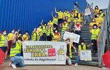 Streikposten in der Tarifrunde 2021 vor dem IKEA-Einrichtungshaus in München